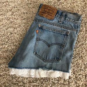 Vintage Levi Denim Shorts w/White Ruffles - 33